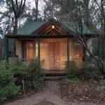 cottage w light